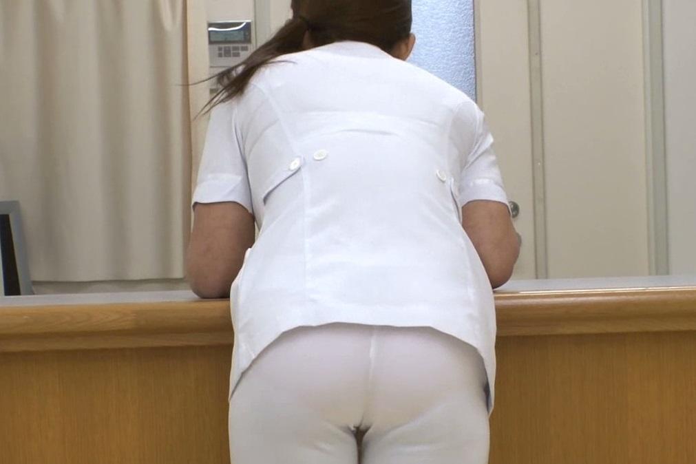 白衣ナースのモロ透けしのパンティラインエロ画像11枚目