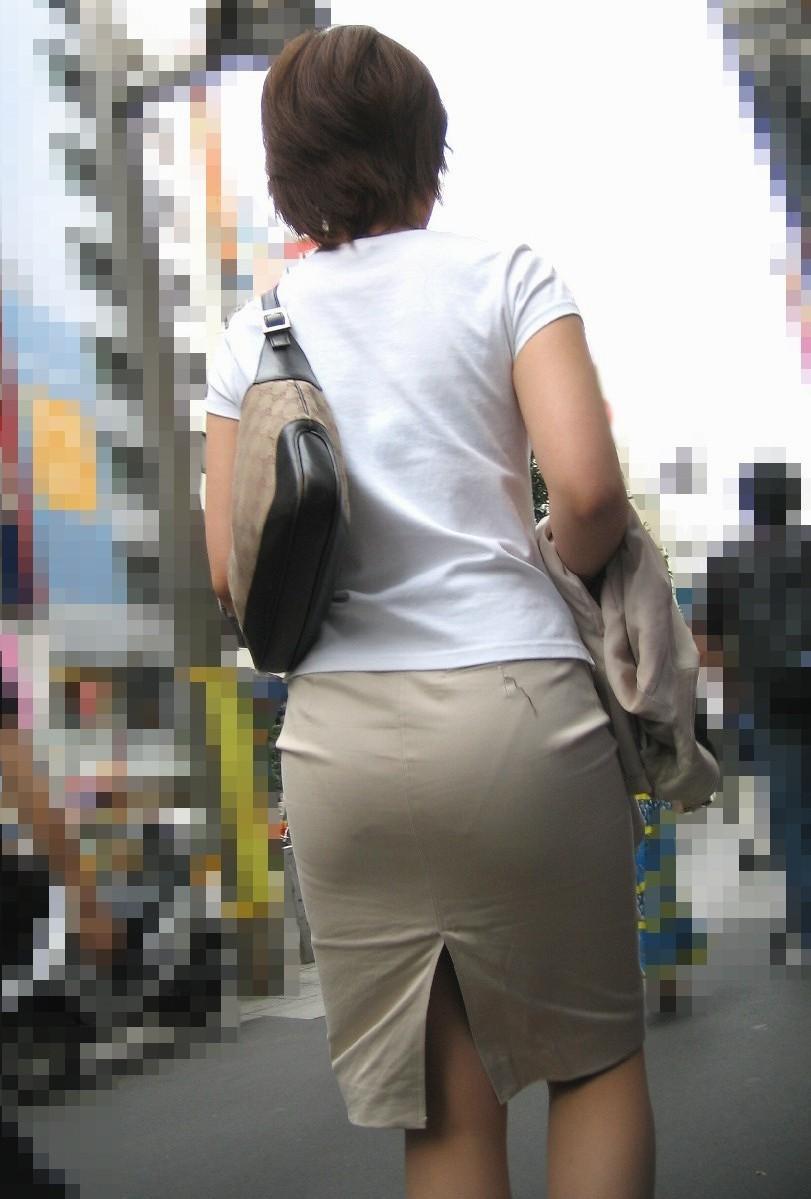 OLのタイトスカート透けパンティライン盗撮エロ画像4枚目
