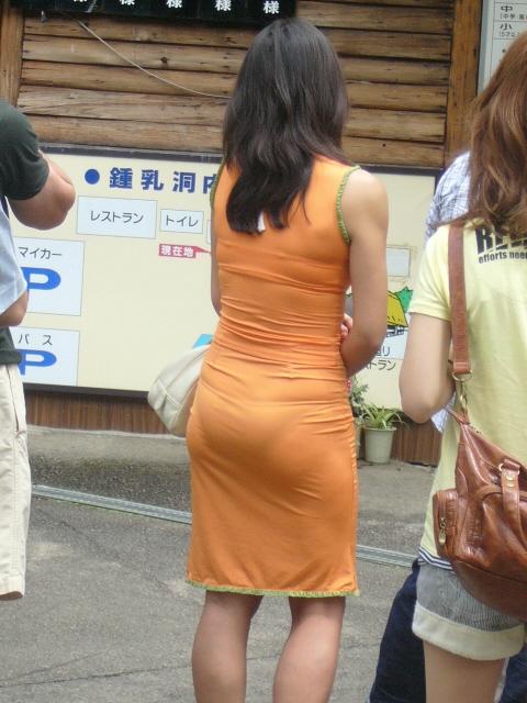 巨尻OLの会社内盗撮されたタイトスカートエロ画像10枚目
