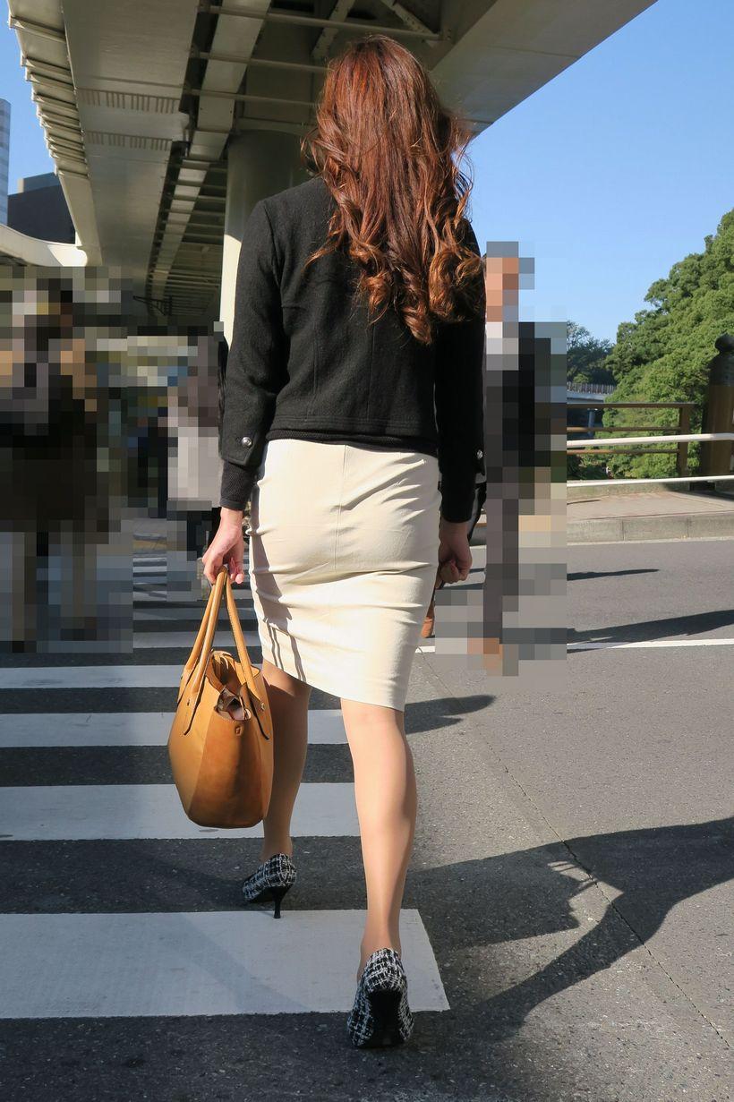 巨尻OLの会社内盗撮されたタイトスカートエロ画像11枚目