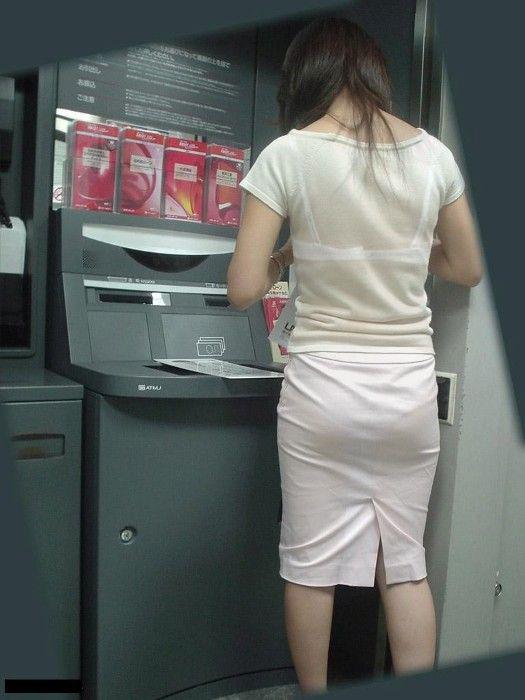 巨尻OLの会社内盗撮されたタイトスカートエロ画像13枚目