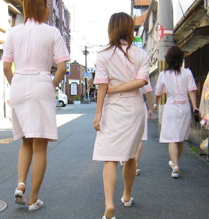 まるで白衣ナース祭的な透け下着盗撮エロ画像12枚目