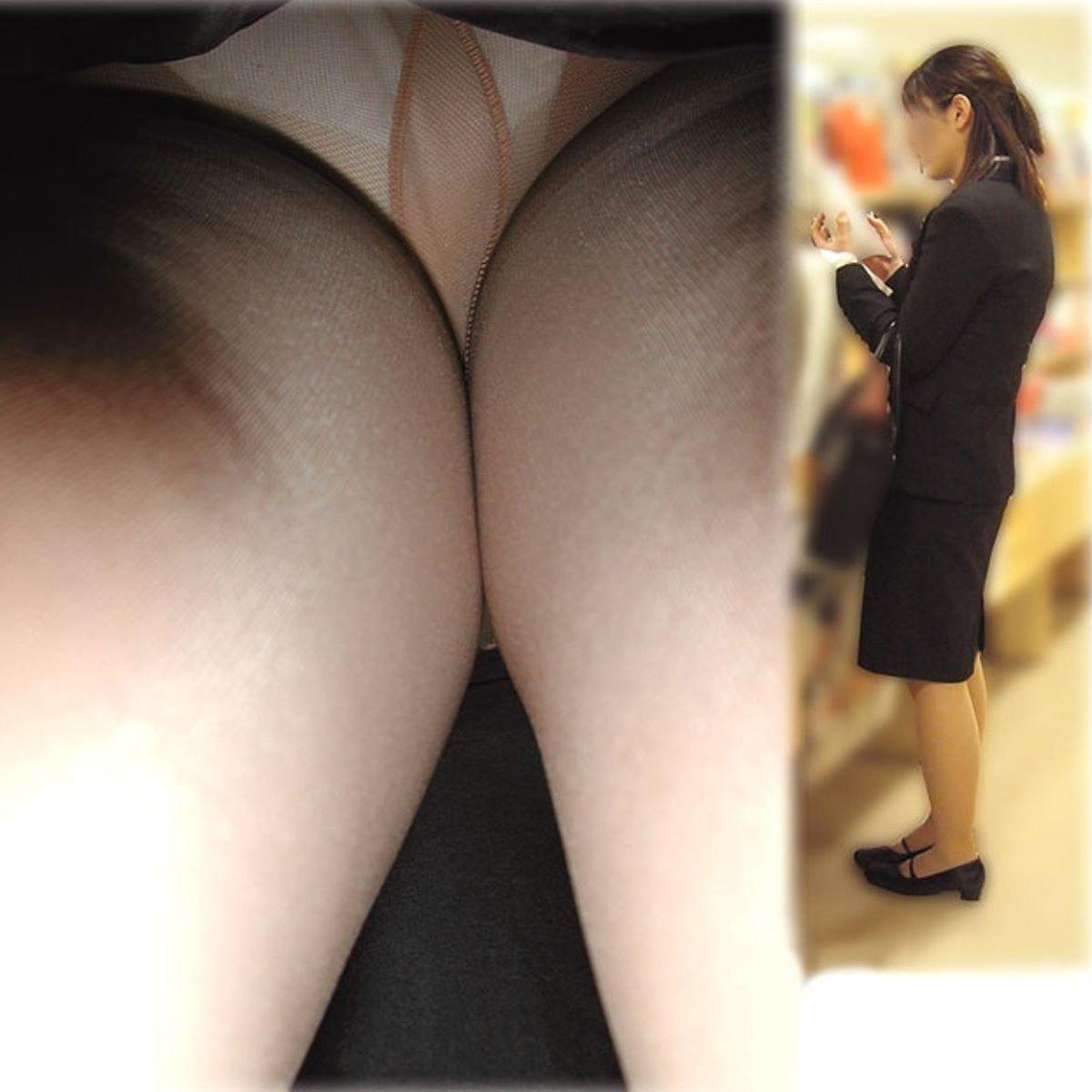 OLのタイトスカート内の生理下着逆さ盗撮エロ画像12枚目