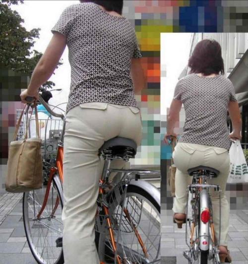 私服OLのパンツ自転車通勤風景を盗撮したエロ画像9枚目