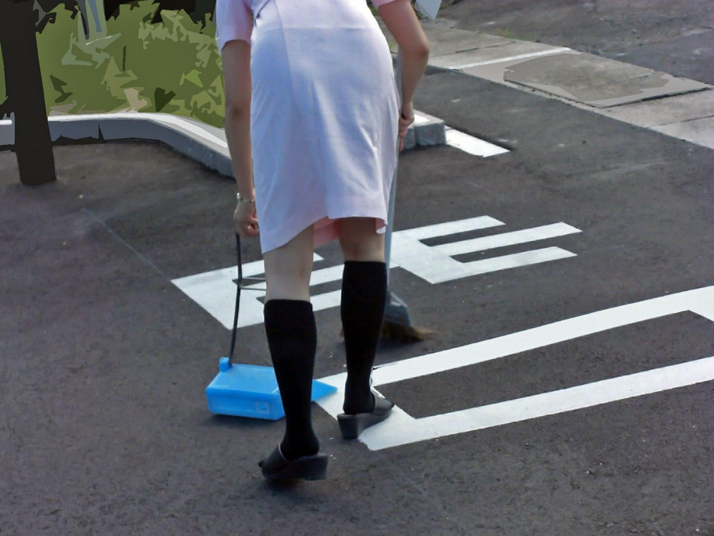 白衣ナースの透け淫乱Tバックパンチラ盗撮エロ画像9枚目