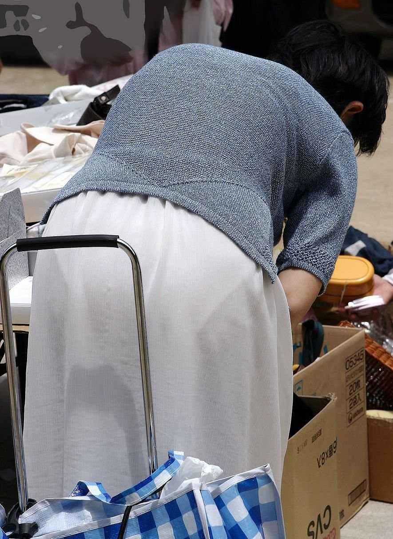 白衣ナースの透け淫乱Tバックパンチラ盗撮エロ画像16枚目