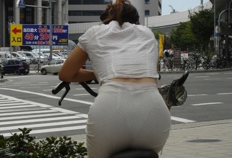 OLが自転車サドルオナニーしてしまった盗撮エロ画像11枚目