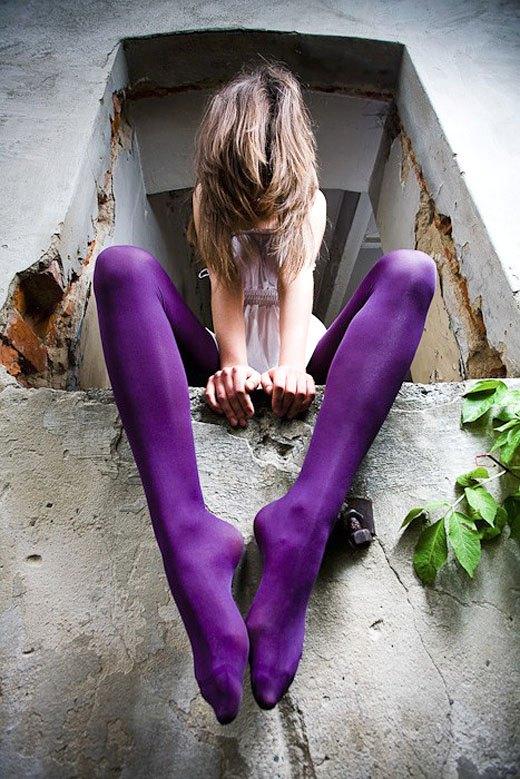 美脚OLの膝下が長くて綺麗な魅惑パンストエロ画像9枚目