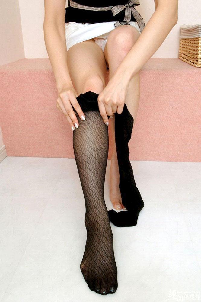 美脚OLの膝下が長くて綺麗な魅惑パンストエロ画像14枚目