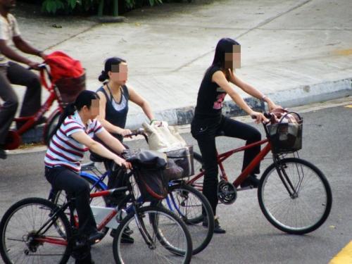 狙われたOLの自転車タイトミニ三角盗撮エロ画像6枚目