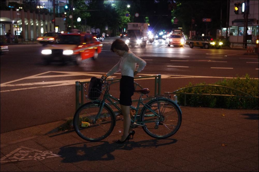 狙われたOLの自転車タイトミニ三角盗撮エロ画像12枚目
