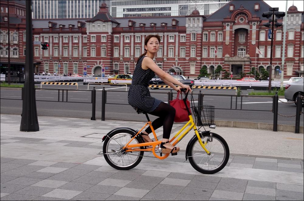 狙われたOLの自転車タイトミニ三角盗撮エロ画像14枚目