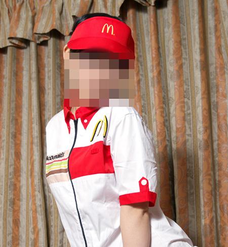 マクドナルド店員の3人に1人は援交してるエロ画像1枚目