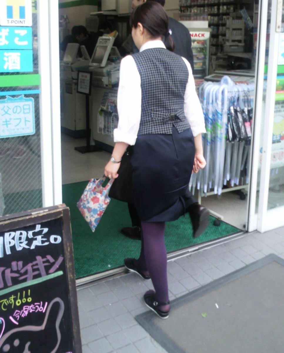 OLさんの狙っていたタイトスカート盗撮エロ画像13枚目