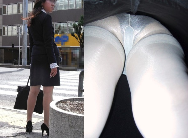 OLさんの休日タイトスカート逆さ撮りパンチラエロ画像14枚目