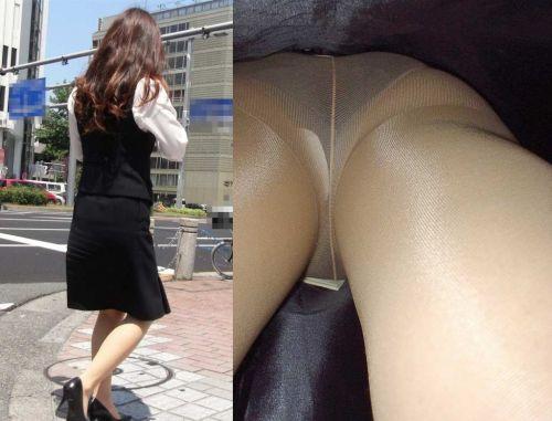 OLの花柄パンティの逆さタイトスカート盗撮エロ画像15枚目