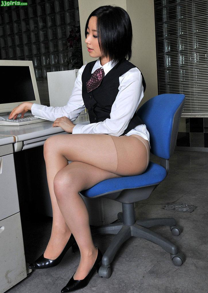 OLの会社内でSEXをさせてくれそうなまとめエロ画像5枚目