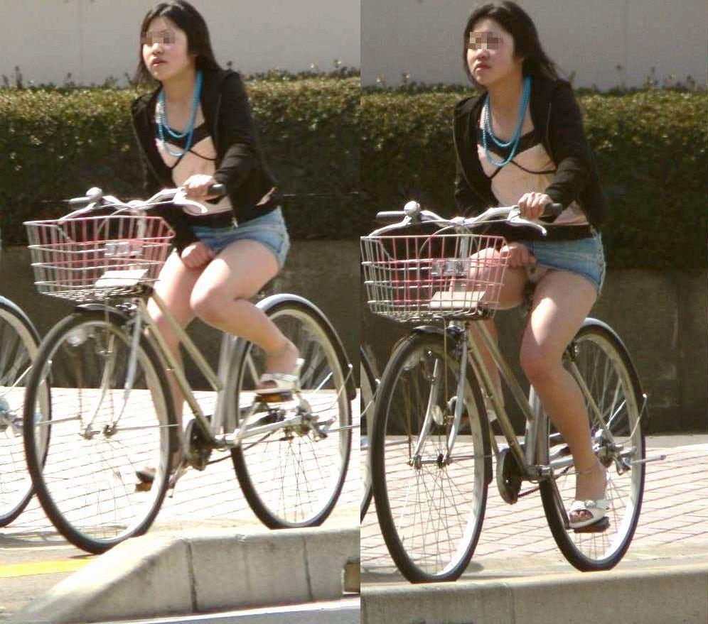 ぽっちゃり新人OLのタイトスカート自転車盗撮画像16枚目