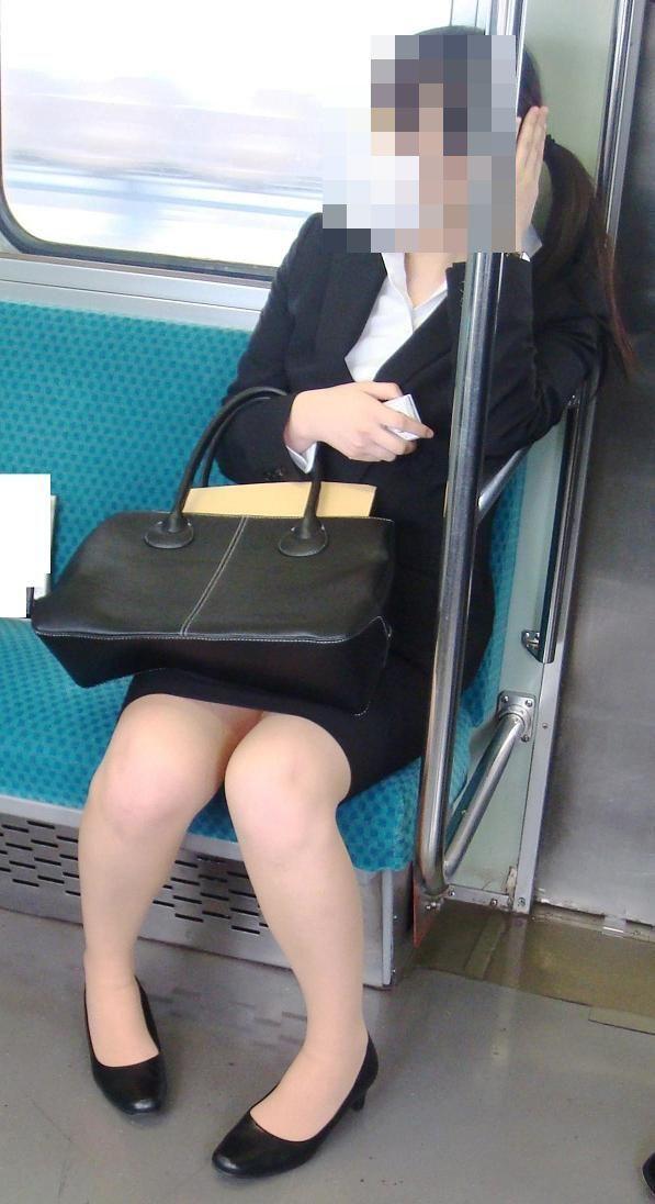就活スーツOLのパンツとタイトの魅惑エロ画像15枚目