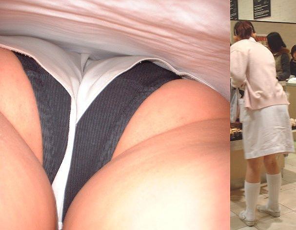 白衣ナースのしましま下着逆さ撮りの盗撮エロ画像4枚目