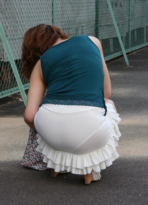 誘惑OLのスリットがエグいタイトスカートエロ画像16枚目