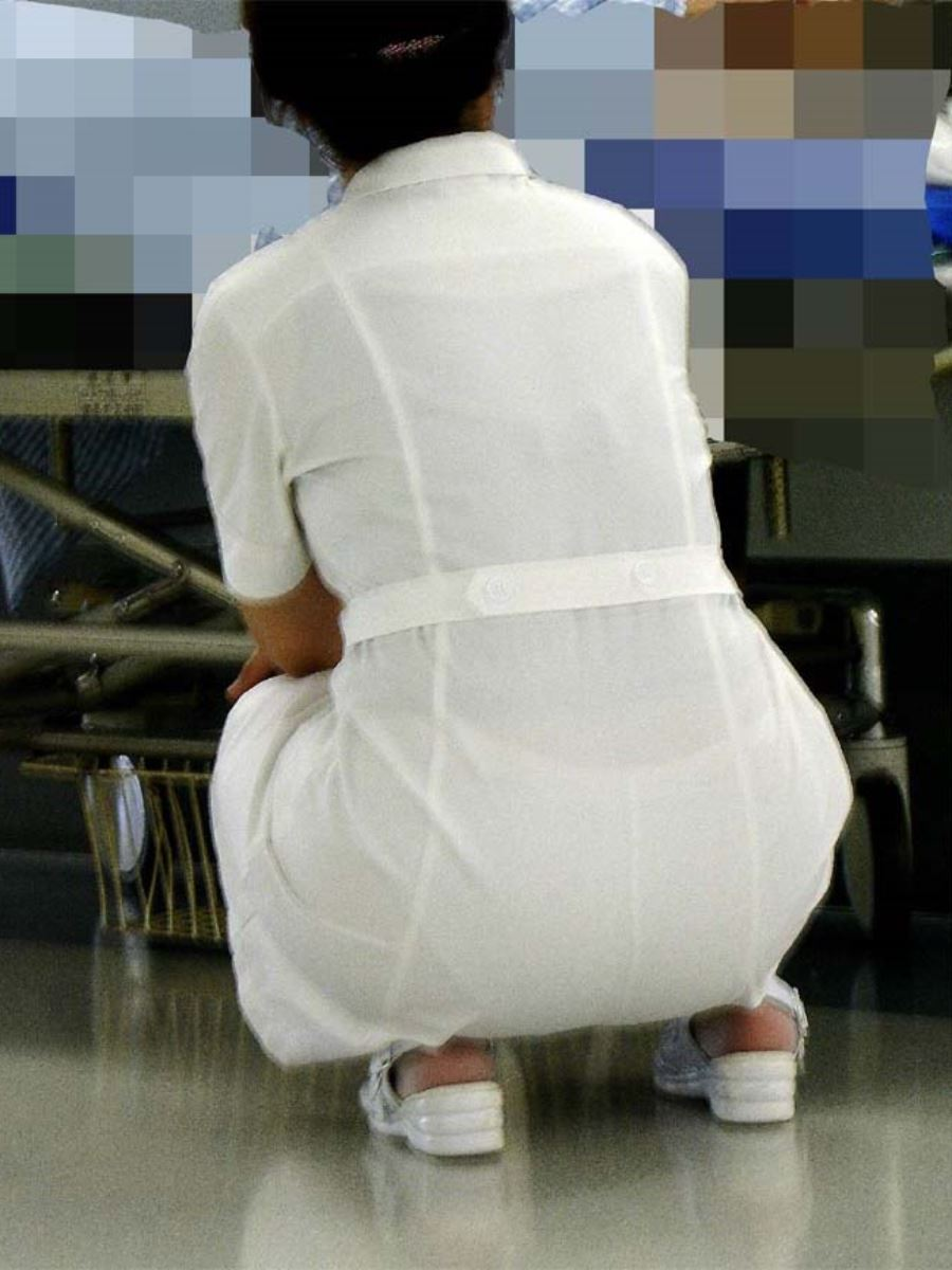 白衣ナースの水撒きしてる透け下着巨尻盗撮エロ画像13枚目
