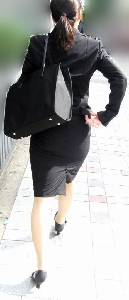 有名女子大卒の頑張る就活OLのスリムな盗撮エロ画像11枚目