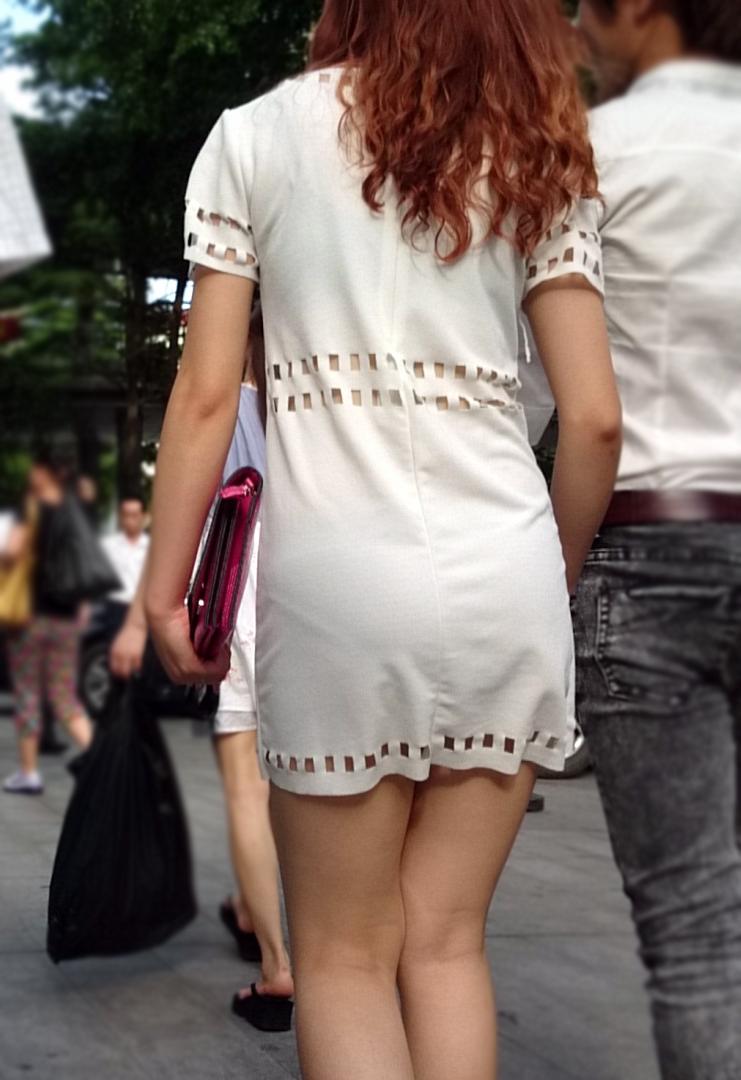 美尻OLのタイトスカートと巨乳にも目がいくエロ画像6枚目