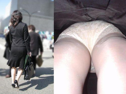 ビッチOLのタイトスカート逆さTバック露出盗撮エロ画像11枚目