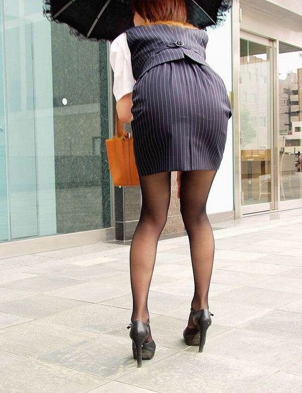 美脚OLのピンクタイトスカートの魅惑パンストエロ画像8枚目