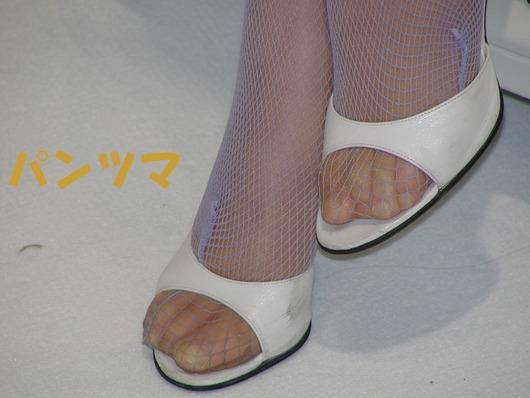 素人美脚OLの透け黒パンストのつま先と足裏エロ画像6枚目