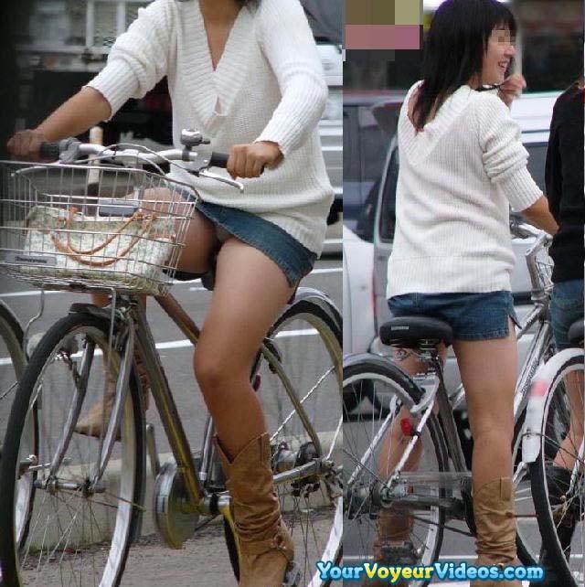 美脚OLの網タイツ自転車の三角パンチラ盗撮エロ画像9枚目