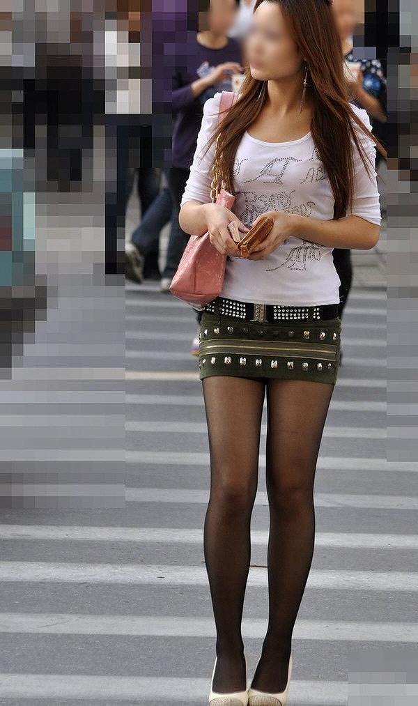 キラキラ系OLの太ももと足裏の美脚パンストエロ画像5枚目