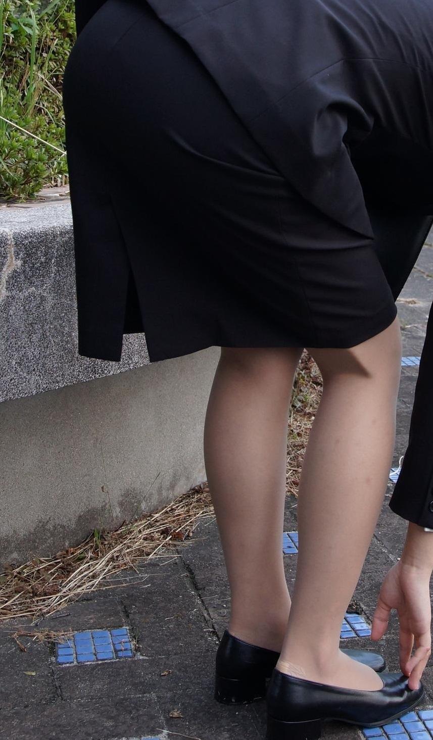 スタイル抜群の就活OLの後ろ姿を盗撮したエロ画像10枚目