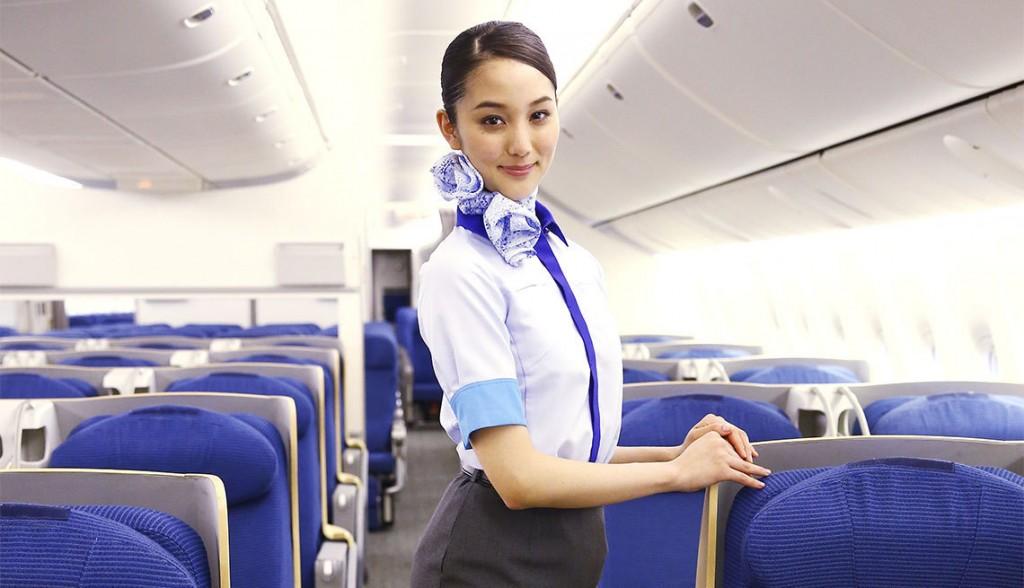 淫乱CAの全裸で機長をSEXに誘う枕営業誘惑のエロ画像10枚目