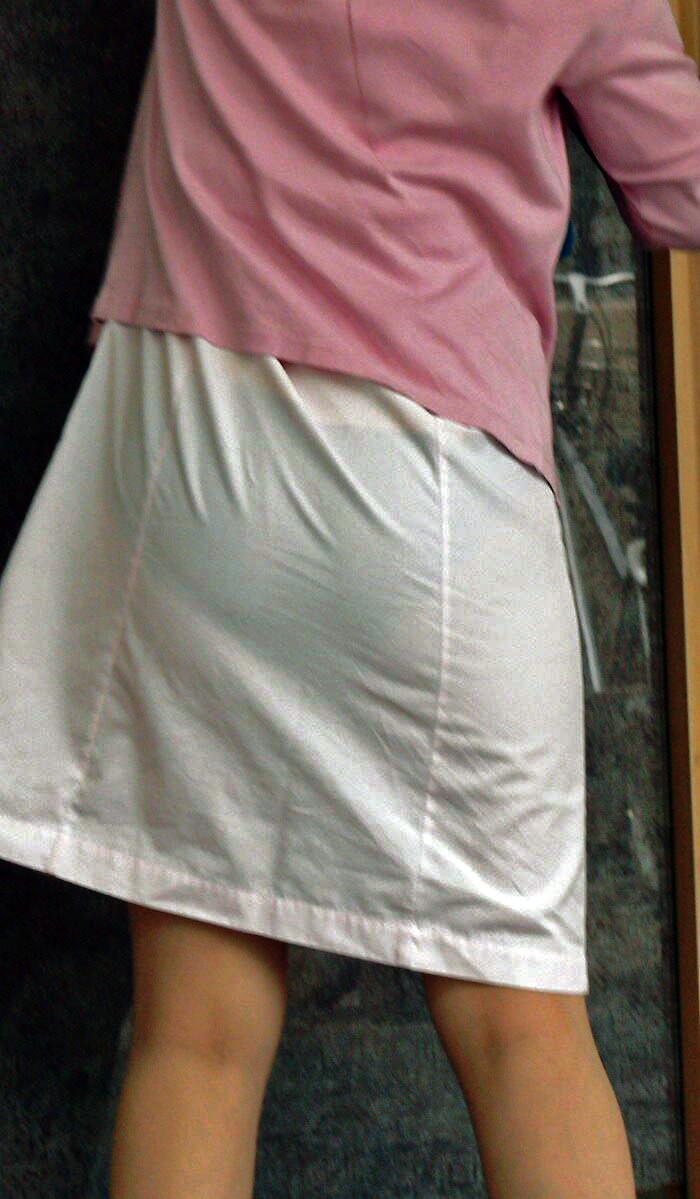 素人ナースのサテン生地の白衣が透ける盗撮エロ画像14枚目