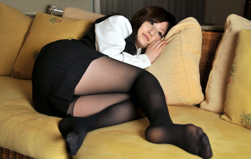 淫乱な美脚パンストOLが上司を誘惑する露出エロ画像12枚目
