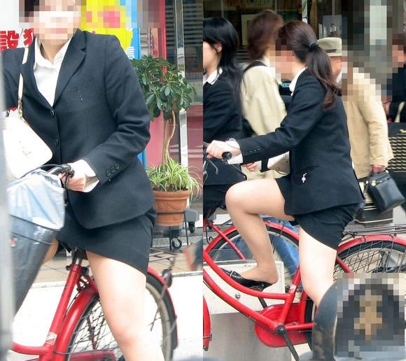 リクスーの新卒OLが自転車で三角パンチラのエロ画像4枚目