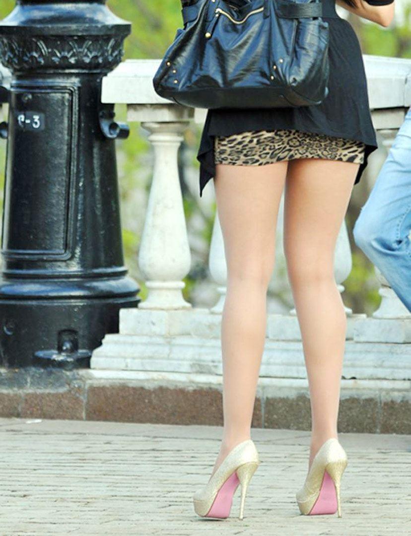 淫乱OLの魅せる様々なタイトスカートフェチ必見エロ画像14枚目