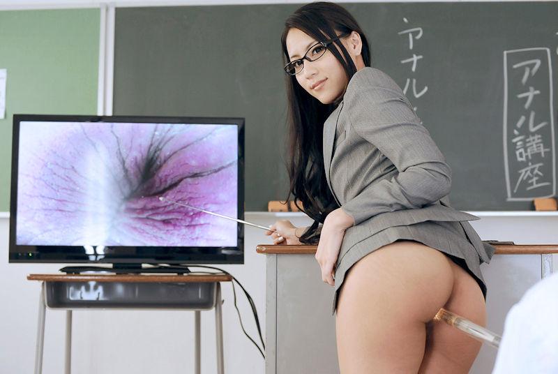 ノーパン女教師の童貞生徒を誘惑するエロ画像8枚目