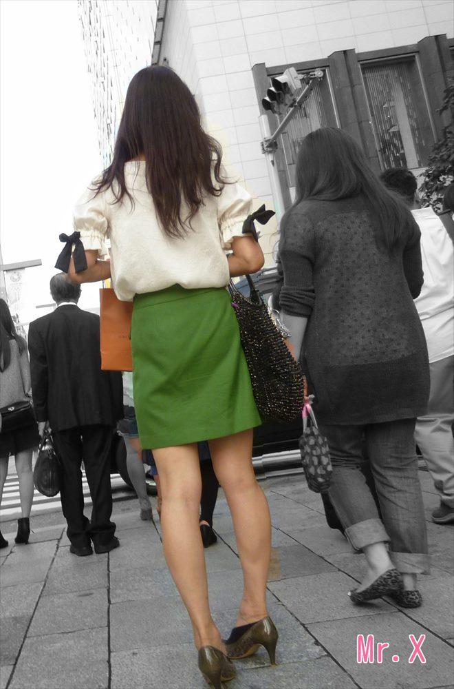美人OLのエリートビッチなタイトスカート盗撮エロ画像11枚目