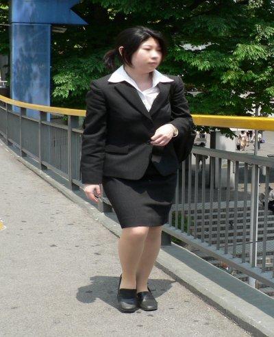 就活OLが人事担当者に異常なSM面接を受けるM女エロ画像13枚目