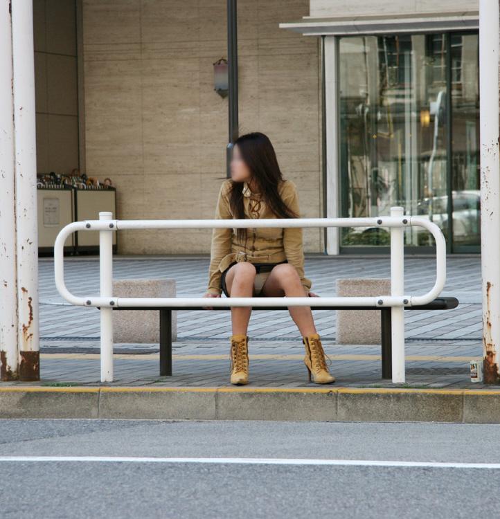 お姉さん系OLのタイトスカート対面三角パンチラエロ画像7枚目