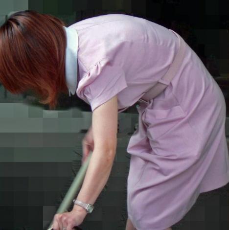 白衣ナースの透けた下着をストーカーが盗撮したエロ画像5枚目