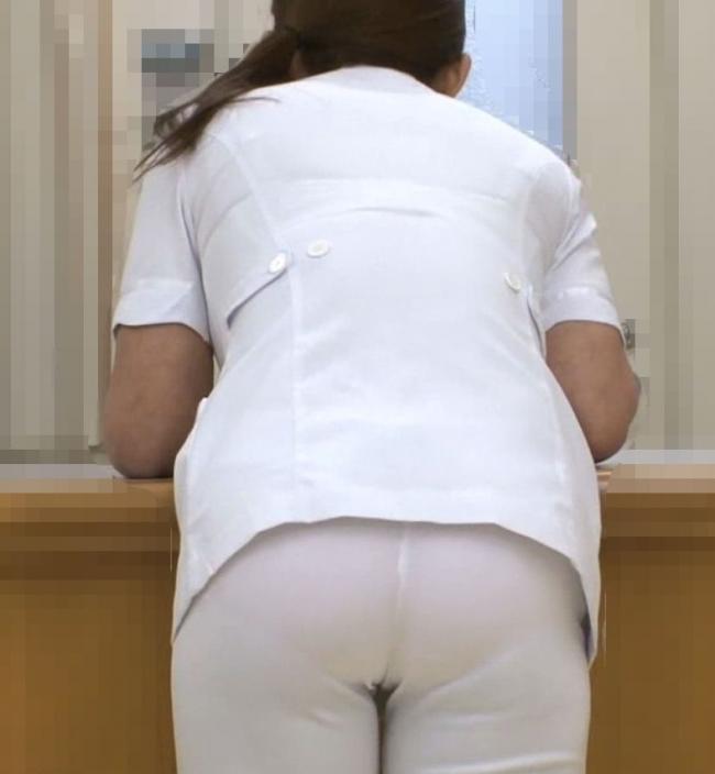 白衣ナースの透けた下着をストーカーが盗撮したエロ画像9枚目