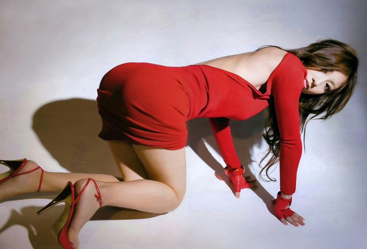 美脚OLがハイヒールの足裏をチラつかせる誘惑的エロ画像12枚目