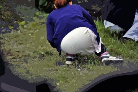 白衣ナースの大掃除中がチャンスの淫らな透け下着エロ画像10枚目