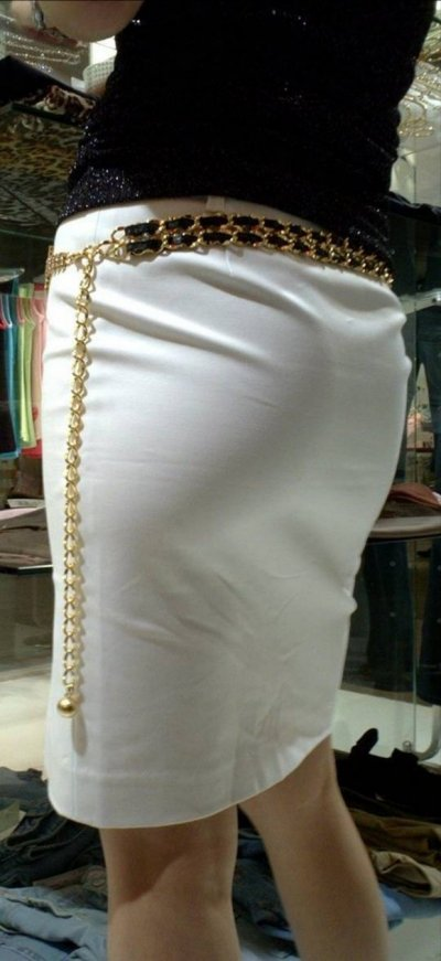 美脚OL達のタイトスカート姿を盗撮したエロ画像16枚目