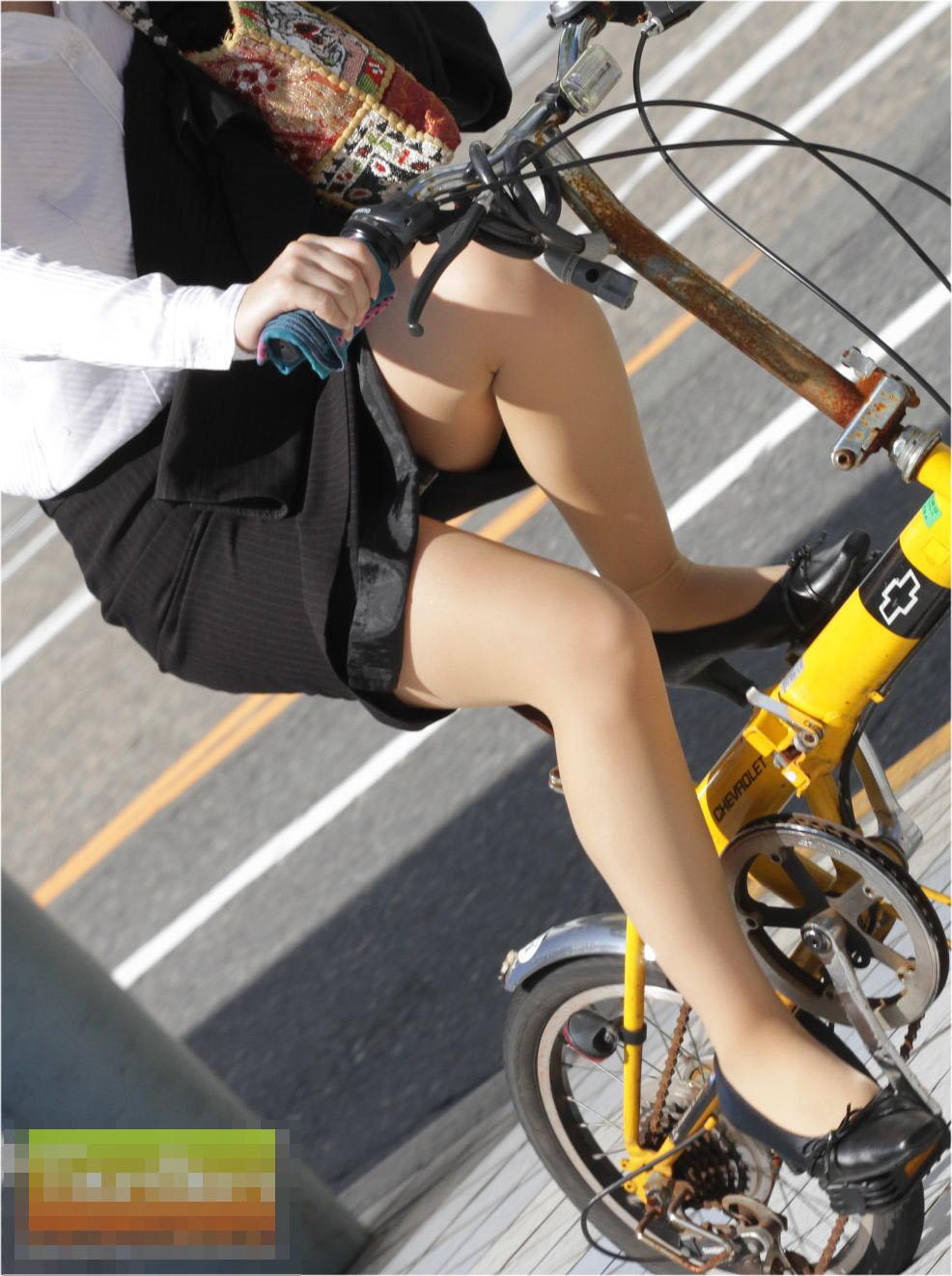 新卒OLの垢抜けない田舎の匂いがする自転車通勤盗撮エロ画像7枚目