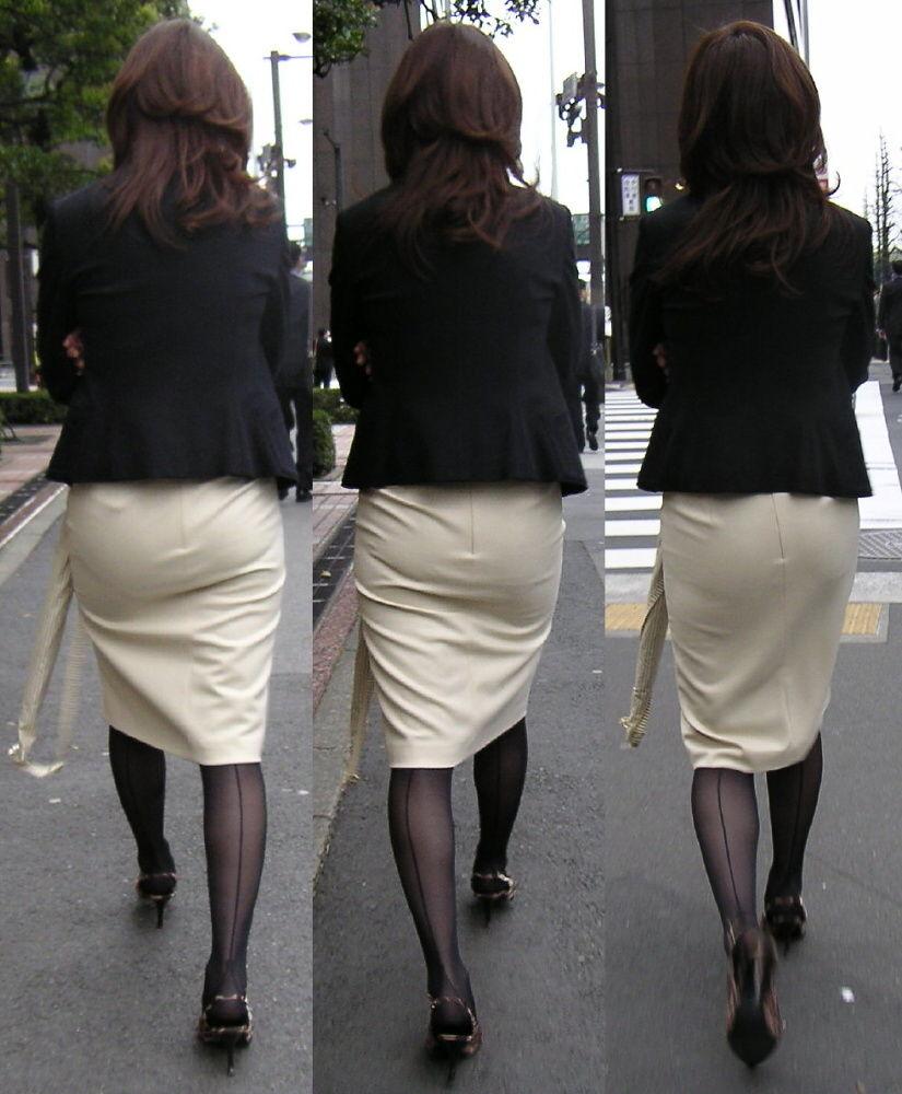 派手なOLのブランドバッグに透けタイトスカートのエロ画像6枚目